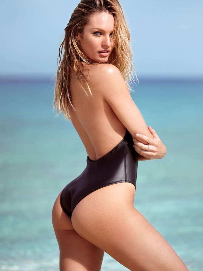 Candice Swanepoel Berjemur Di Pantai Mengenakan Bra