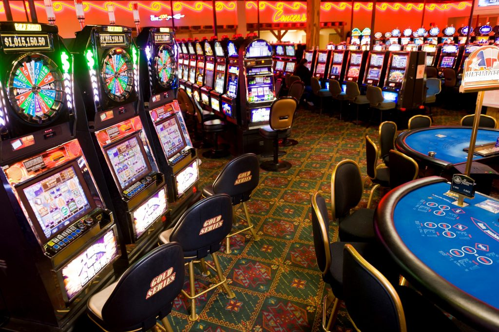 keunggulan-casino-online-dibanding-casino-offline
