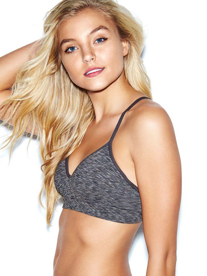 Rachel Hilbert Model Muda Seksi Nan Lembut