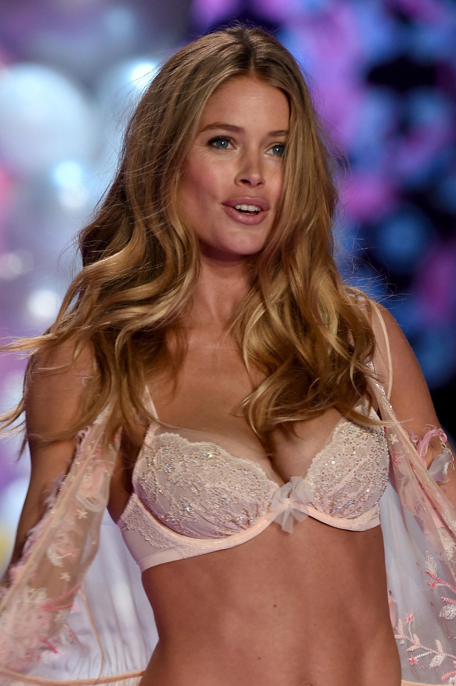 Doutzen Kroes Seksi Model Yang Memulai Karir Sejak SMA
