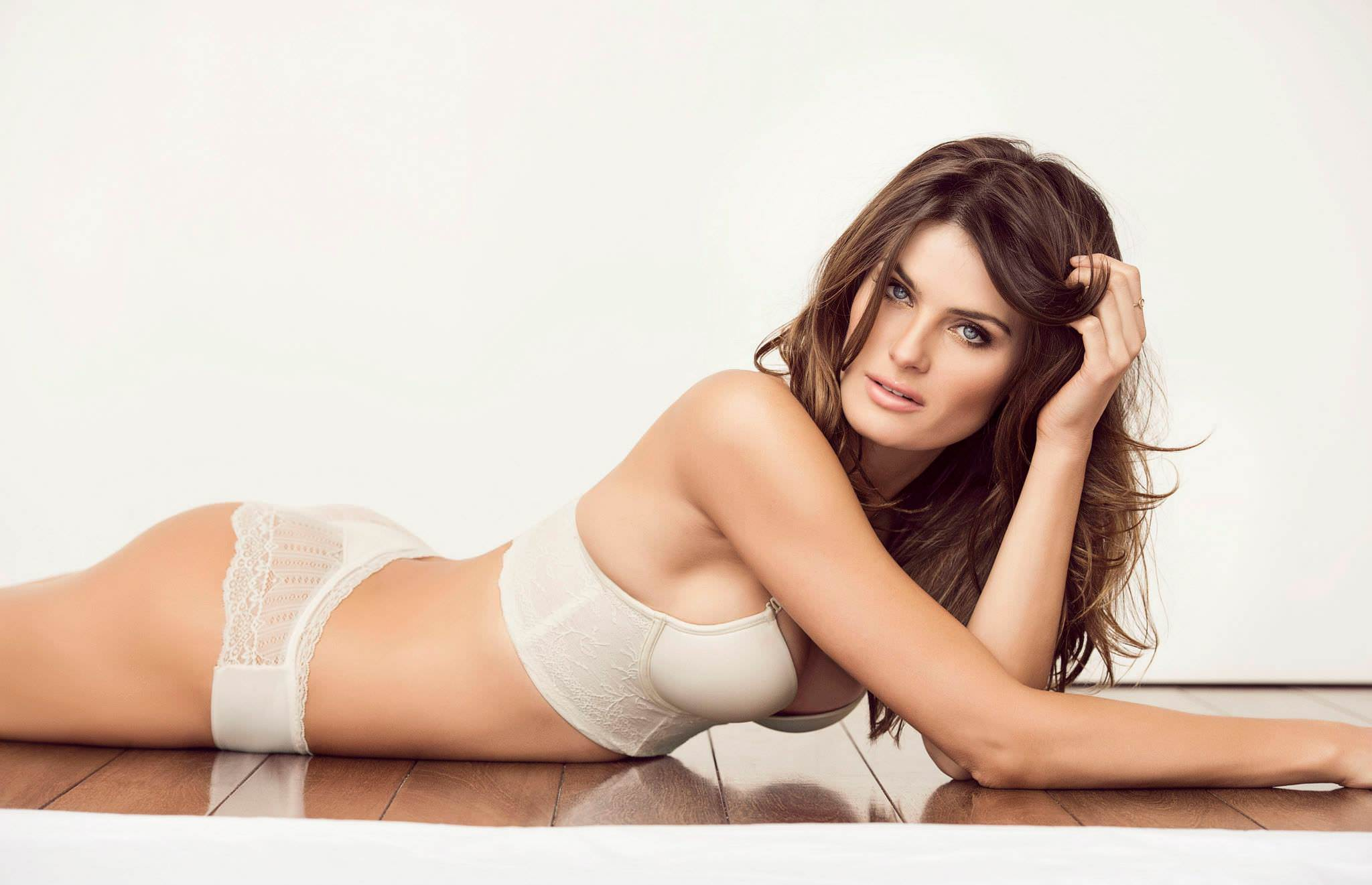 Isabeli Fontana, Model Cantik Brasil Yang Sukses Berkarir di Italia